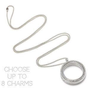 Jewelry - 🎁 Floating Charm Round Locket & Chain